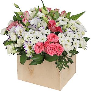 Цветы в коробке на заказ волгоград купить розы в одинцово дешево