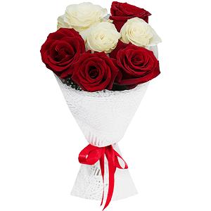 Букет из 7 красных и белых роз